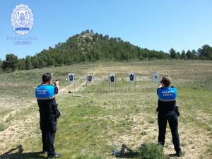 Agentes de la Polcia Local de Cehegín haciendo prácticas de tiro