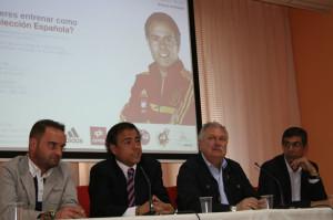 Presentación del evento el alcalde de la localidad, José Soria, el preparador físico Javier Miñano y el concejal de Deportes, Antonio Marín