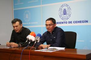 El concejal de Cultura, Nicolás del Toro, junto con Nicolás de Maya