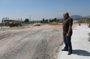 Francisco Martinez visita las obras de la rotonda al Poligono