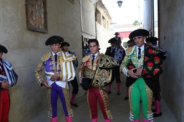 David Fernández sale a hombros en la Plaza de Toros de Cehegín en su debut con picadores