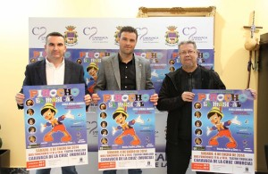 El Concejal Festejos en la Presentacion Pinocho