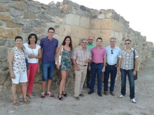 Miembros del partido socialista junto a Tovar en la visita a Cehegín