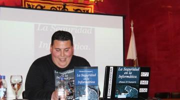 El autor del libro Hamza El Guenyari