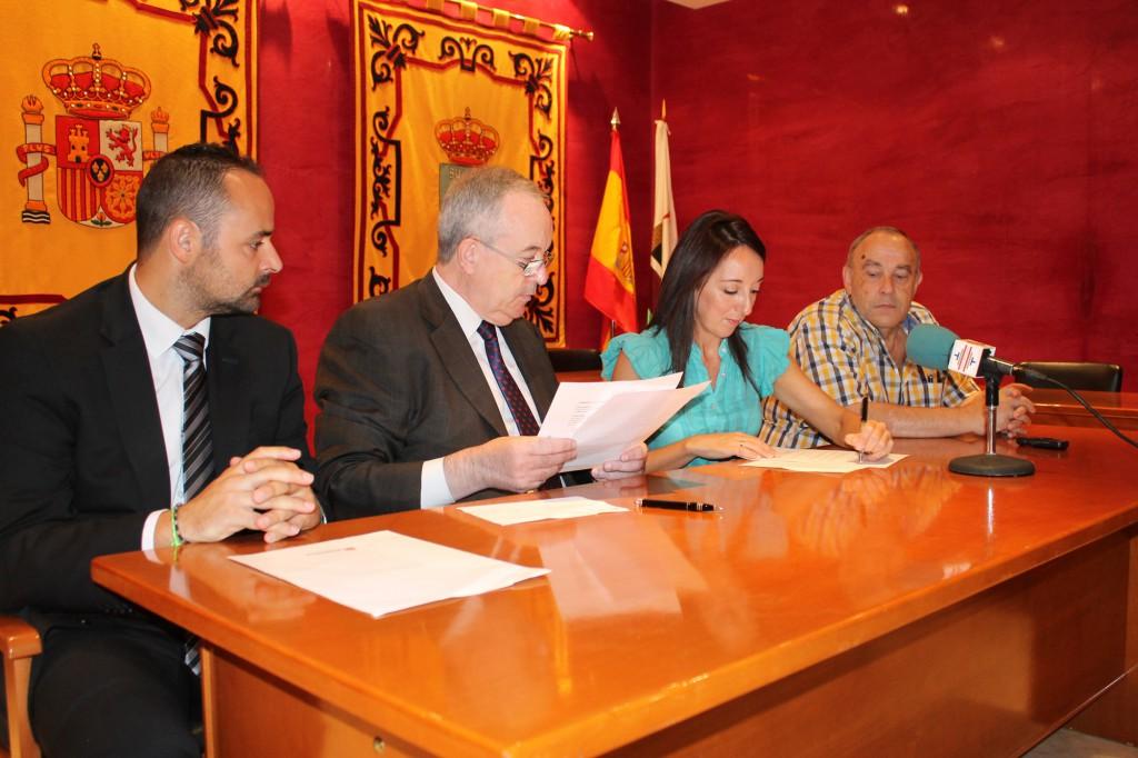 Firma del convenio Ayuntamiento-Fundación Caja Murcia