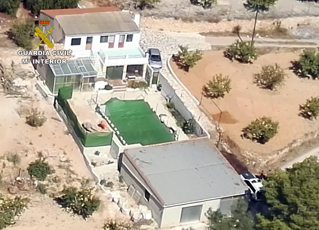 Una plantación de marihuana en una piscina de Bullas2